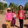 Trao tặng quần áo cho người dân bản Nậm Chua 3